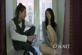 رجل يرضع ثدي زوجته سكس